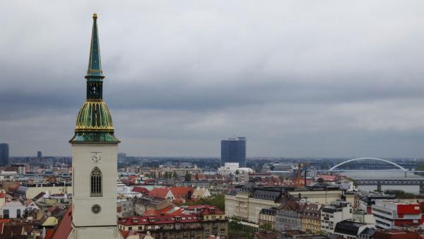 Bratislava : Zoom sur le Plan Juncker et la politique de défense (Audio)